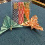 手作りの楊枝入れと夫婦の祝い鶴