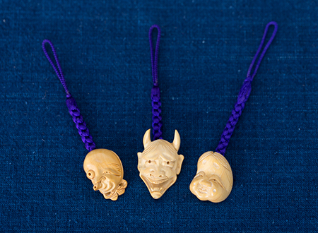 Netsuke (miniature carvings)