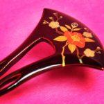 椿と梅 塗りの簪