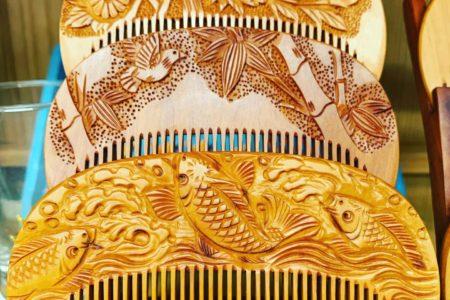 古き良き時代の飾り櫛